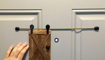 Puerta mirilla 1