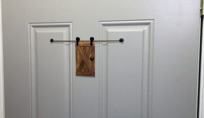 Puerta mirilla 18