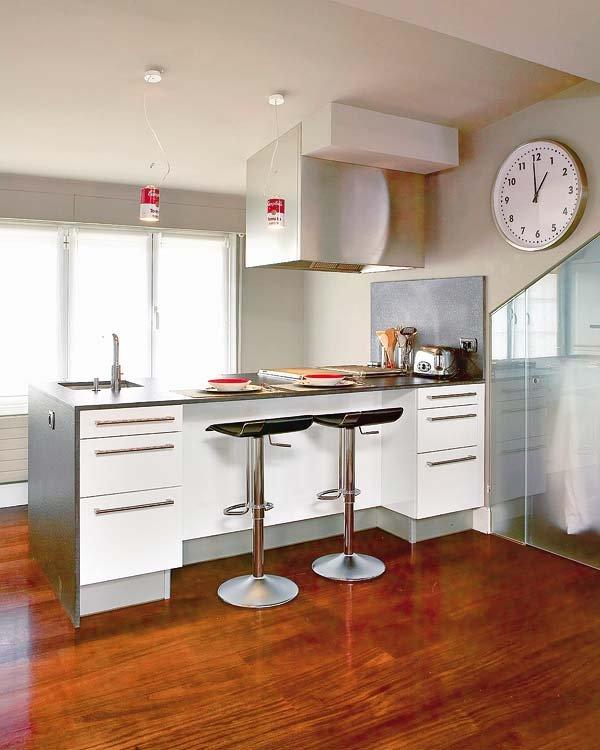 Cocina barra americana1 for Barras para cocina y desayunadores