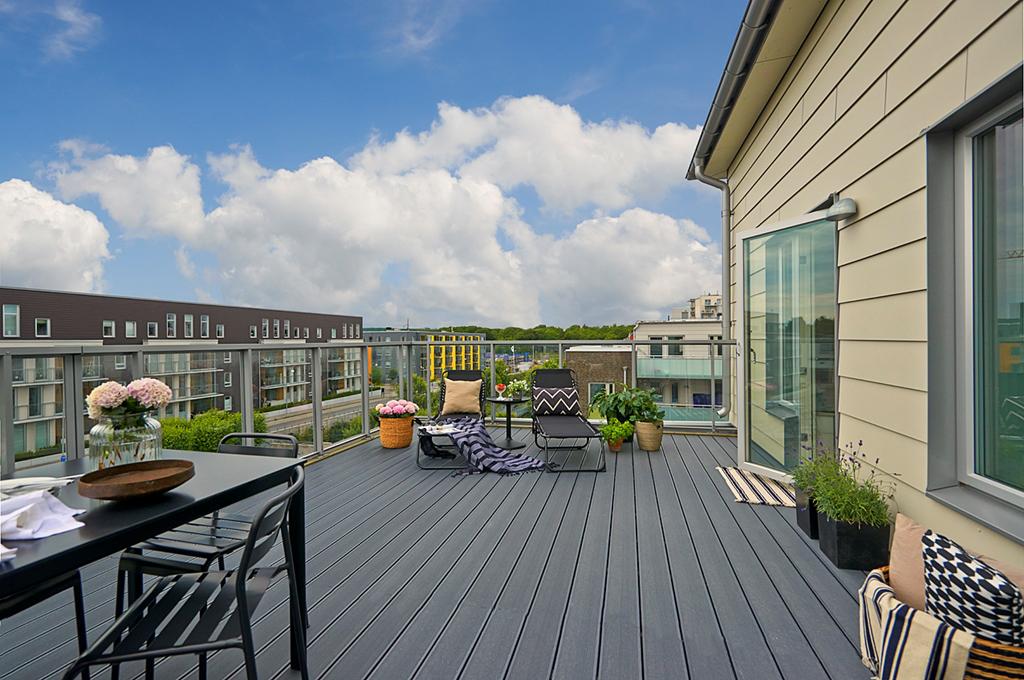 Terraza balcon nordico30 for Decoracion de terrazas de aticos pequenos