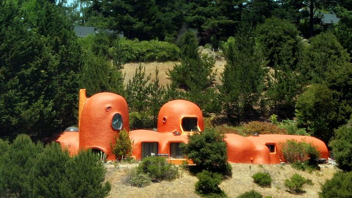 la-casa-de-los-picapiedra-en-california5