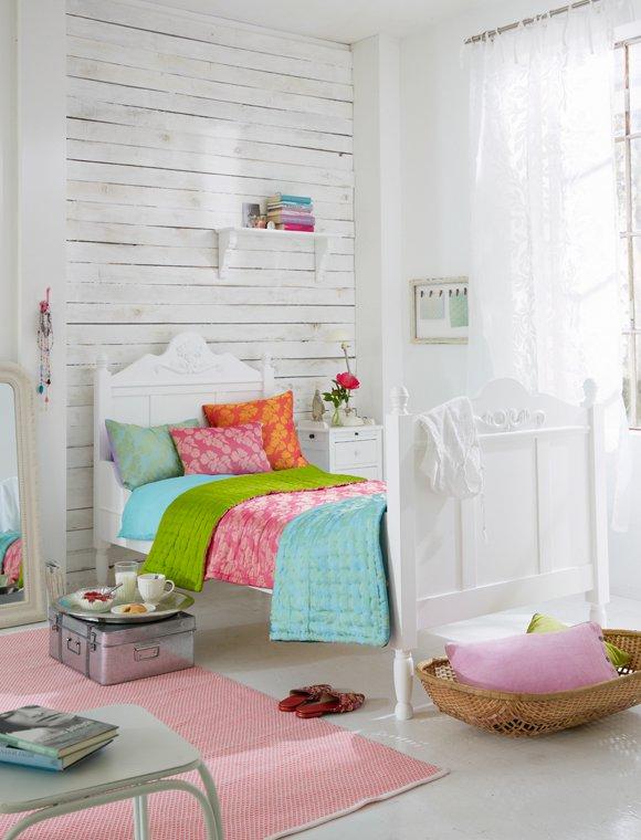 Como decorar una pared de madera latest decora tus - Decorar paredes con palets ...