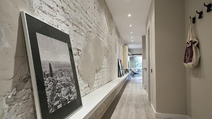 apartamento-barcelona-pared-ladrillo