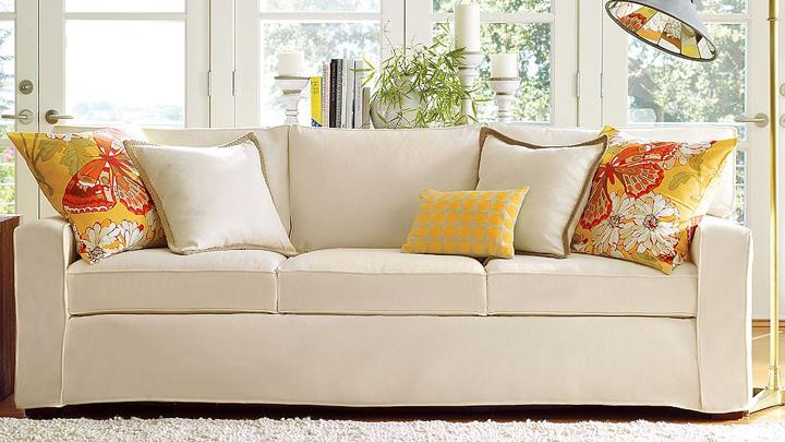 C mo decorar el sof con cojines for Hacer cojines para sillas