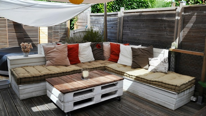 Ideas para decorar la terraza y el jard n a trav s del for Articulos decoracion jardin