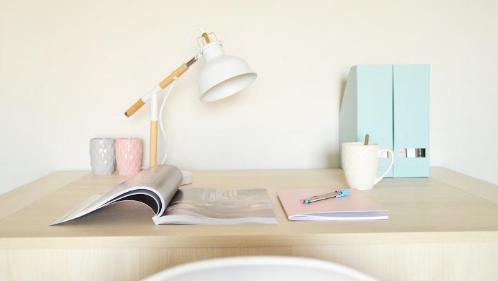 lampara-escritorio-Nordic-blanca