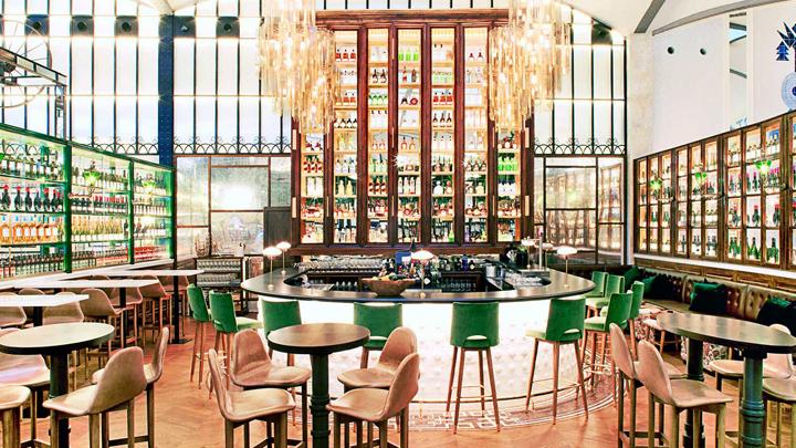 la-increible-decoracion-del-restaurante-el-nacional-de-barcelona