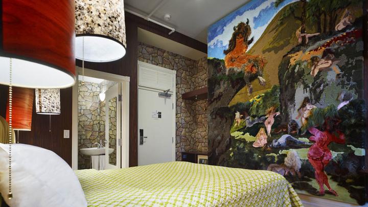 hoteles-decorados-como-galeria-arte