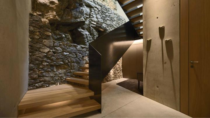 Casa-Villanders-escalera
