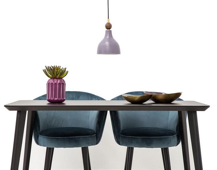 Ultra-Violet-lampara-y-jarron