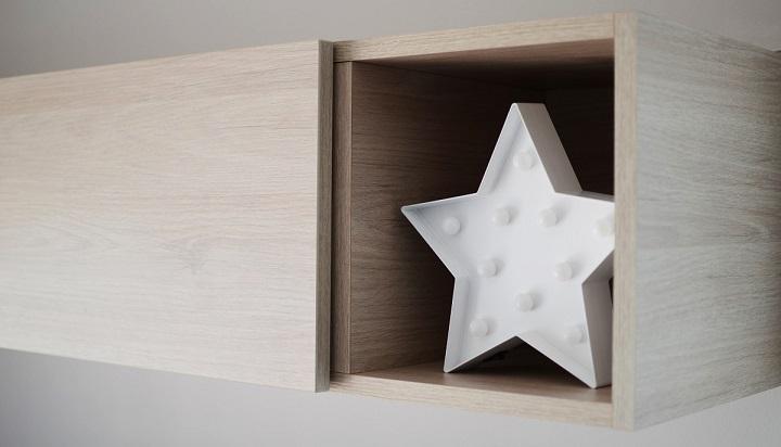 estrella-LED-en-un-mueble