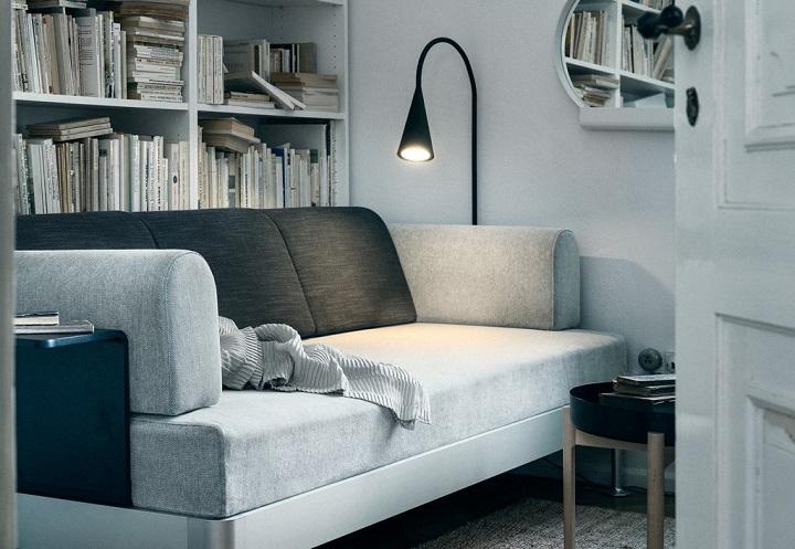 IKEA-DELAKTIG-sofa-y-lampara