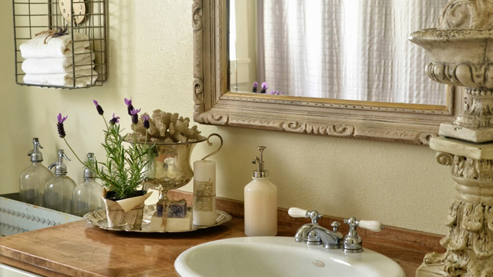 decoracion-bano-espejo-elegante-clasico