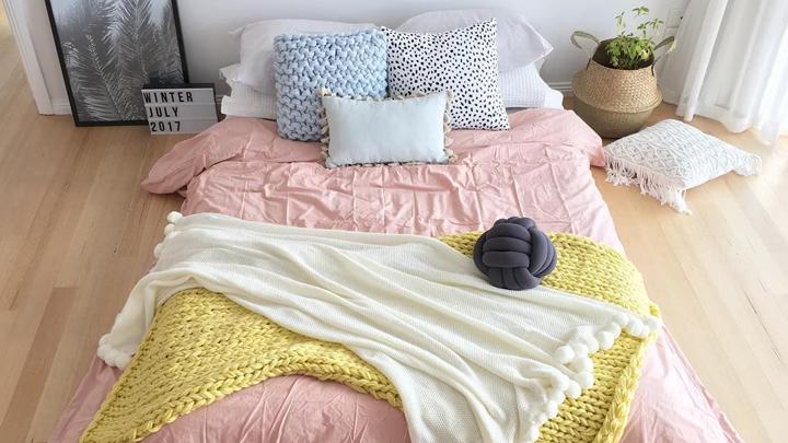 cojines-cama-dormitorio-chic
