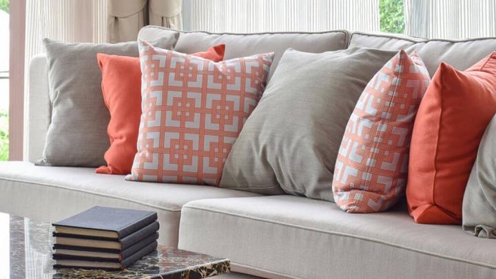 cojines-sofa-salon-color-contemporaneo