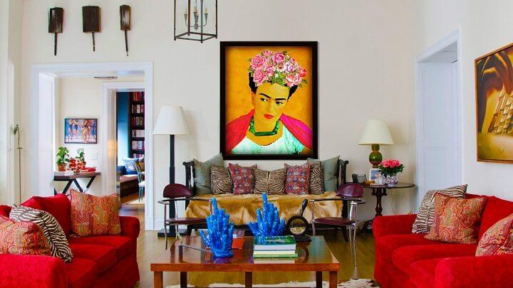 salon-con-un-cuadro-de-Frida-Kahlo