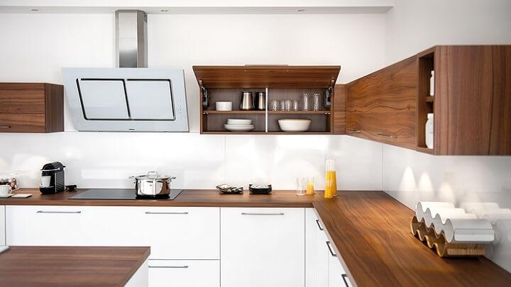 cocina-en-madera-y-blanco