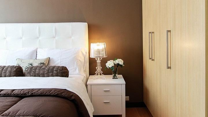 lampara-en-habitacion