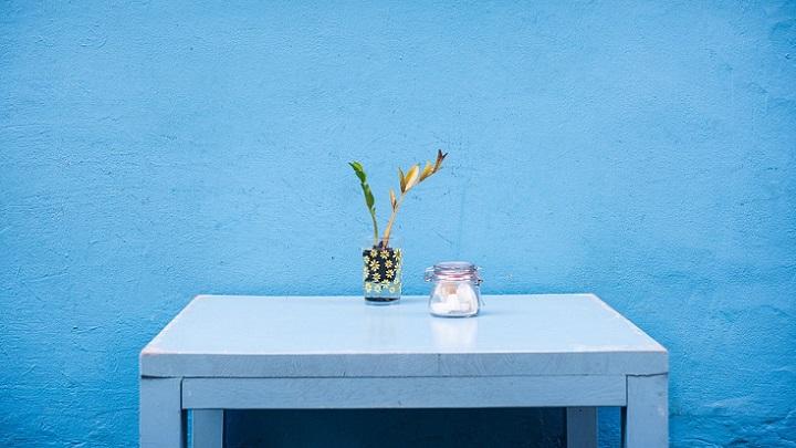 pared-pintada-de-azul