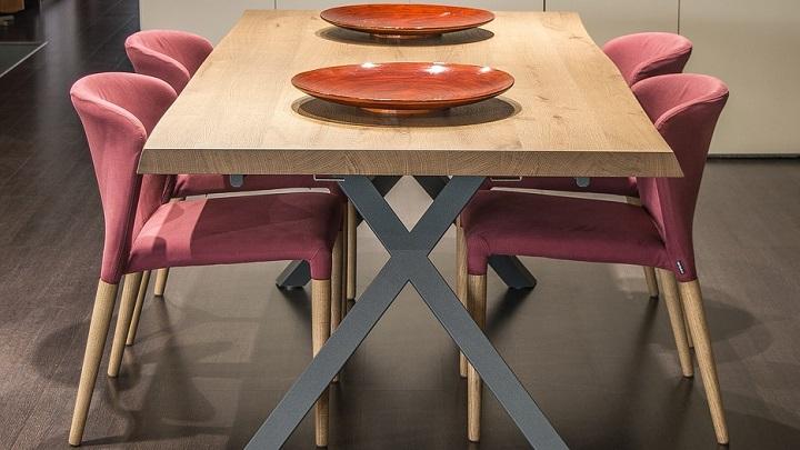 mesa-con-platos