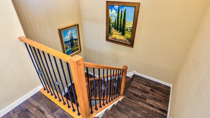 cuadros-en-las-escaleras