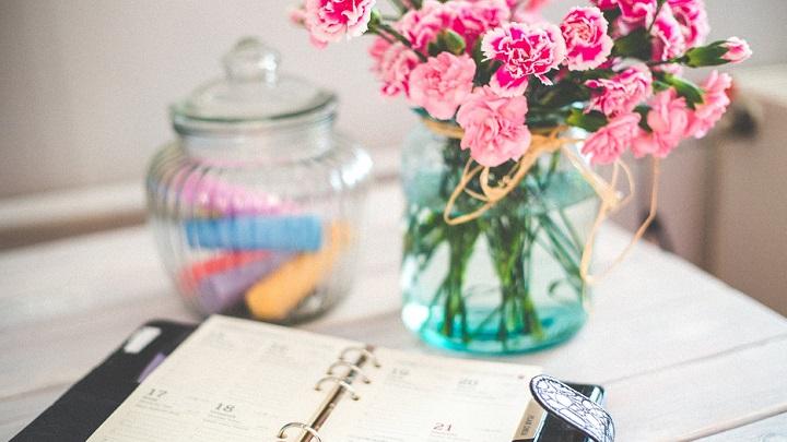 flores-en-escritorio