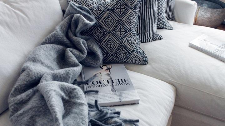 libro-en-el-sofa