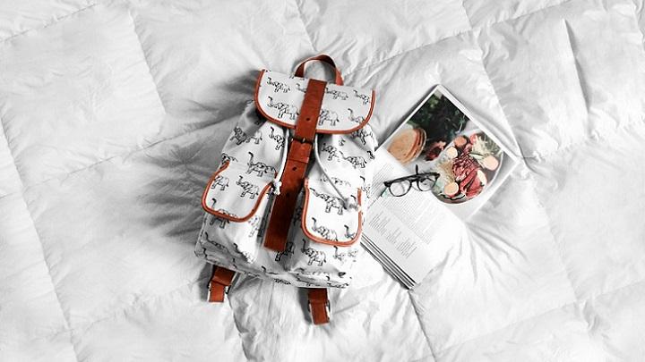 mochila-y-libro