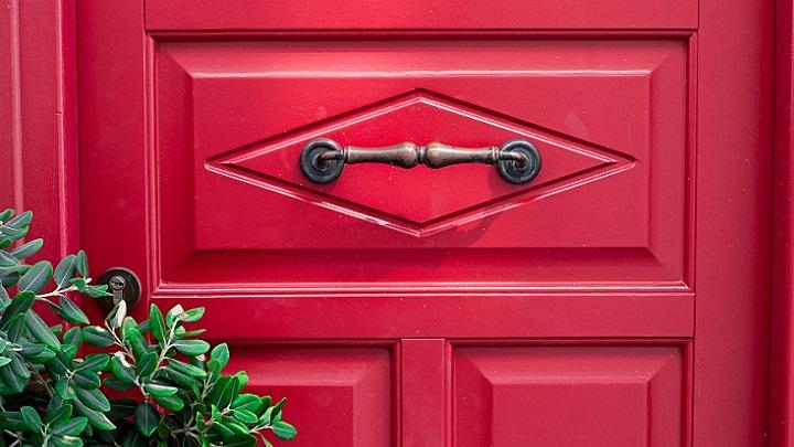 puerta-roja