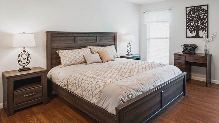 muebles-de-madera-en-dormitorio