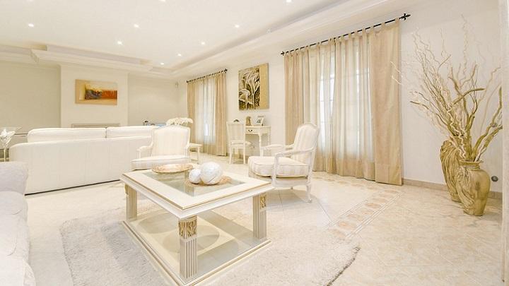 mesa-blanca-cuadrada