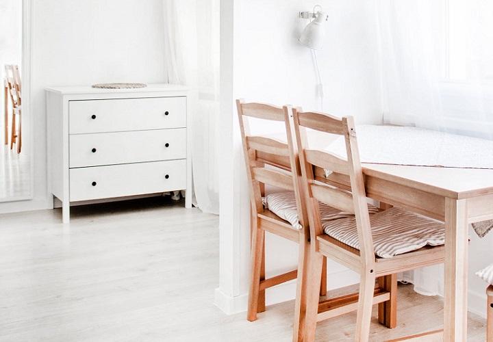 mueble-con-cajones-blancos