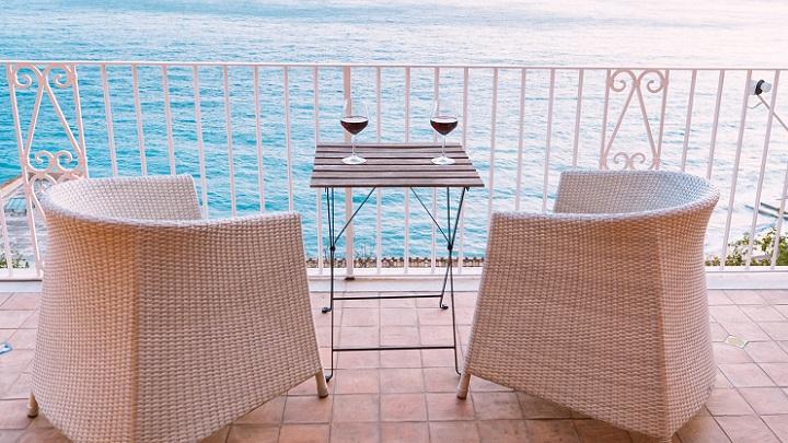 terraza-con-vistas-al-mar
