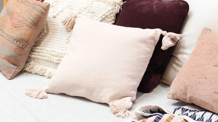 cojines-en-sofa
