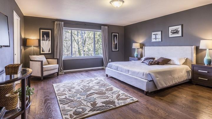 dormitorio-decorado-en-gris
