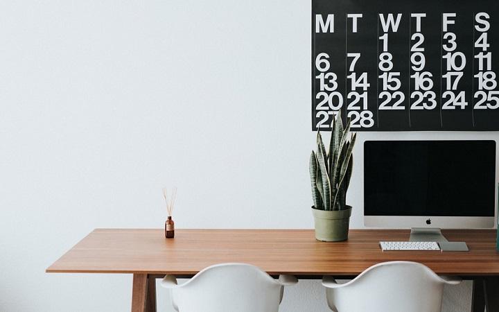 escritorio-con-calendario