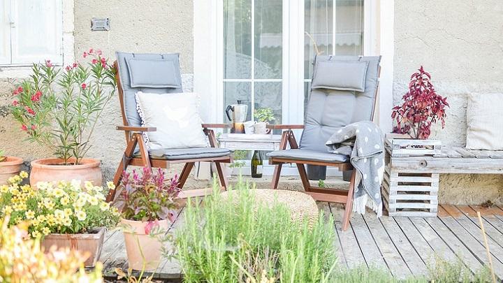 mobiliario-en-el-jardin