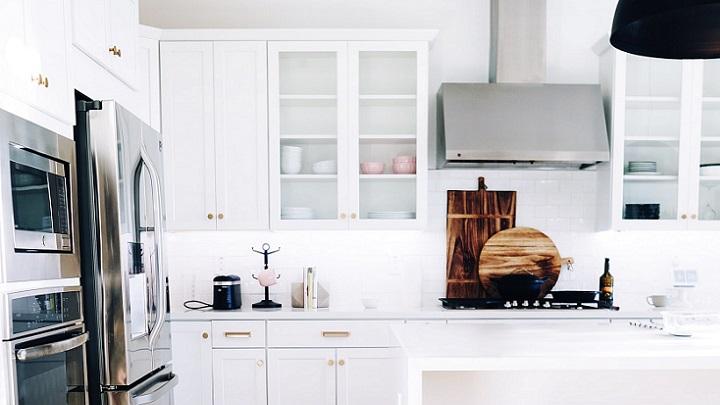 cocina-con-paredes-de-color-blanco
