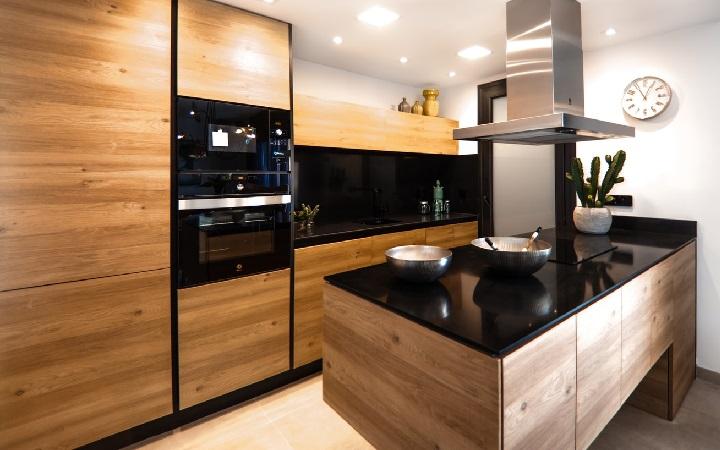 encimera-de-cocina-en-color-negro