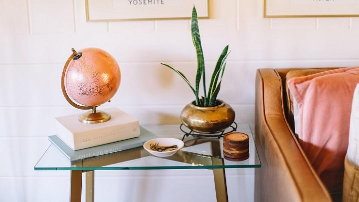 sofa-con-mesa-auxiliar