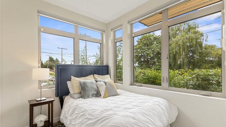 cama-cerca-de-la-ventana