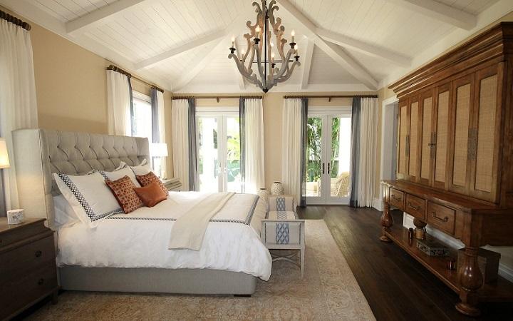 cama-y-armarios-en-dormitorio