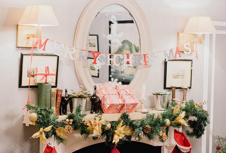 chimenea-decorada-en-navidad