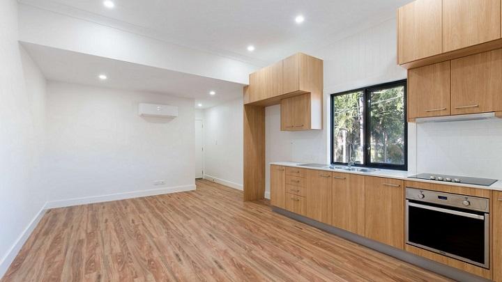 cocina-con-suelo-de-madera