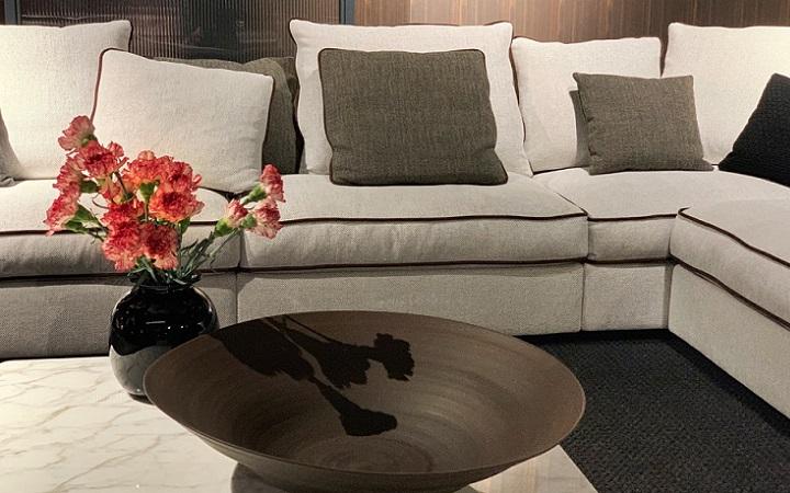 sofa-blanco-y-cojines
