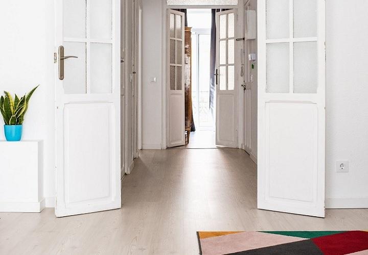 puertas-de-color-blanco-en-piso