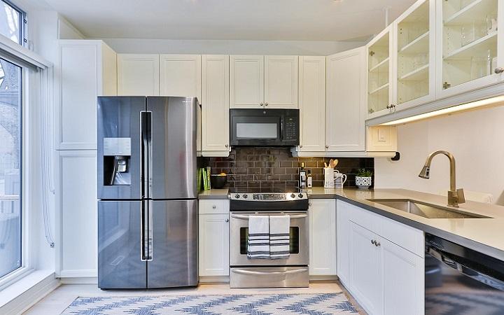 armarios-de-cocina-con-puertas-de-cristal