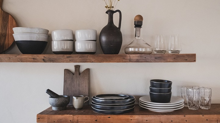 estanterias-con-platos