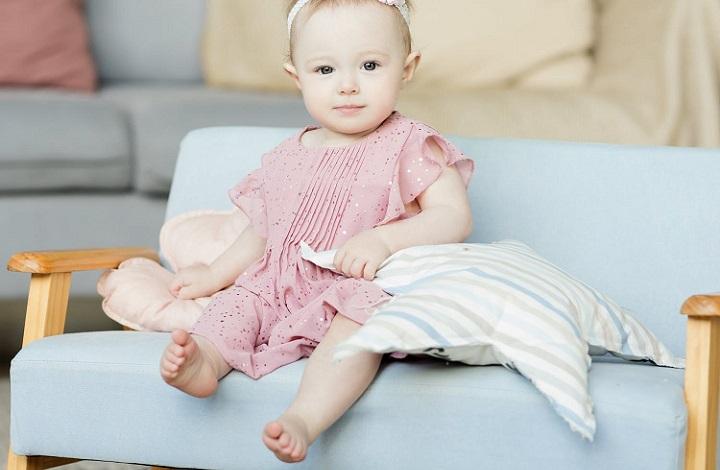 sofa-infantil-de-color-azul
