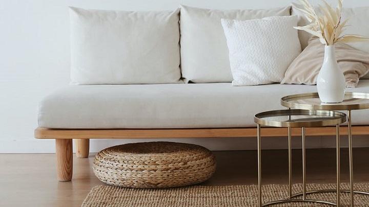 sofa-de-color-blanco